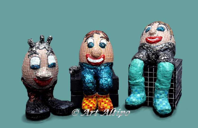 Three Eggies